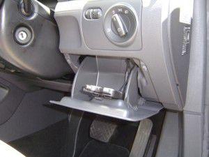 ゴルフヴァリアント 小物入れにETC車載器の設置