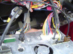 日産セレナに三菱カーナビNR-HZ750CD-DTVの設置 13