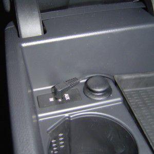 BMW E90外部入力端子 AUX-IN