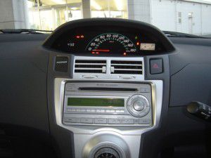 トヨタ ヴィッツ 20年式 三菱NR-HZ750CD-DTV  カーナビの取付 2