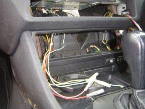 BMW525i(E39) パナソニックのオンダッシュカーナビDV-155FDの取付 3