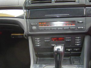 BMW525i(E39) パナソニックのオンダッシュカーナビDV-155FDの取付 2