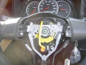 トヨタ WISH(ウィッシュ) ステアリング舵角センサーの交換・取付1
