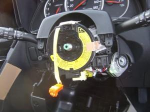 トヨタ WISH(ウィッシュ) ステアリング舵角センサーの交換・取付2