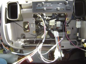 トヨタ ダイナにイクリプス製カーナビの取付