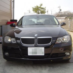BMW E90に楽ナビを設置