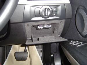 BMW E90の小物入れにETC車載器 CY-ET908D/KDを設置