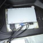 トヨタ アルテッッァの助手席足下にAVジャンクションボックスの設置