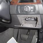BMW E90の運転席側 小物入れにETC車載器の取付