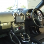 AUDI TTにカロッツェリア サイバーナビ AVIC-VH009の設置・取付完了