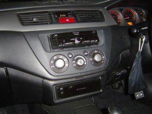三菱 ランサーエボリューションVにパナソニック ストラーダ CN-HX900Dの設置・取付