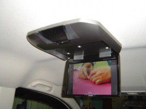 ホンダ 新型ステップワゴンにフリップダウンモニターの取付2