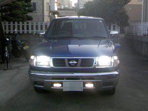 日産 ダットサン トラックのヘッドライト HID