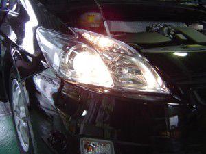 新型プリウスの純正ヘッドライト