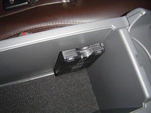 新型プリウスにETC車載器の取付