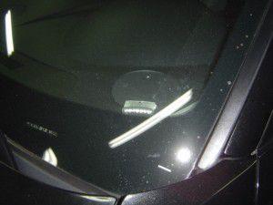 クライスラー300cにカーセキュリティーシステム 青色LEDスキャナ