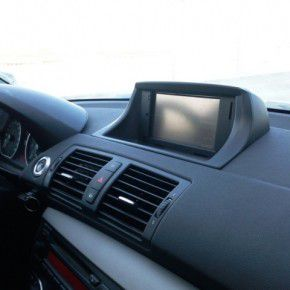 BMW with MIO V735TV-3