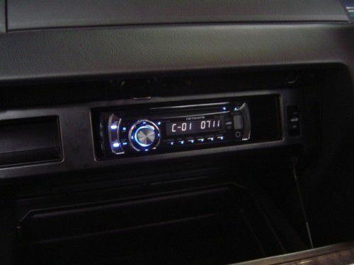 Y34 グローブボックス内にDVDデッキ設置