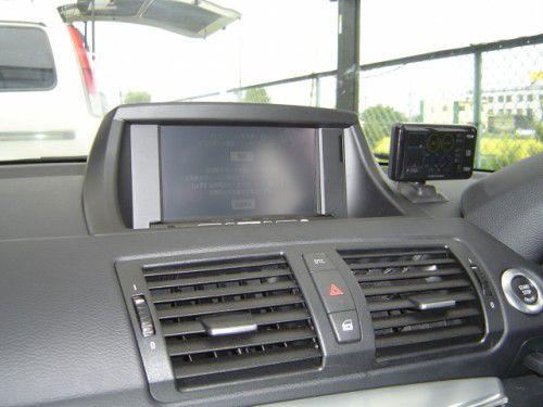 BMW 1シリーズ DBB-E87S/P AVIC-HRV200取付その1