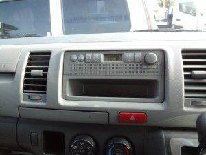 純正スピーカー一体型ラジオ