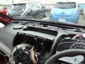 オーディオパネル脱着、メーター取り外し NV200