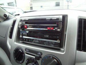 NV200 アルパイン製インダッシュカーナビ取付1