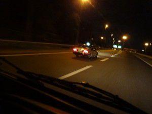 高速走行中にタクシーと遭遇