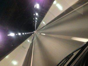 軽井沢トンネル疾走中