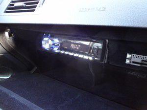 レクサス GS グローブボックス内にDVDプレーヤーの設置