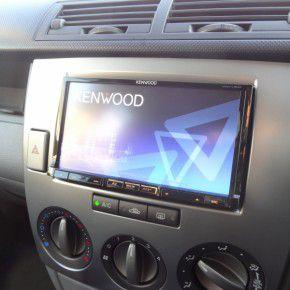 デミオDY系前期型・中期型にカーナビの取付 KENWOOD MDV-L500 2