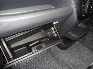 ソリオ ETC車載器取付 グローブボックス